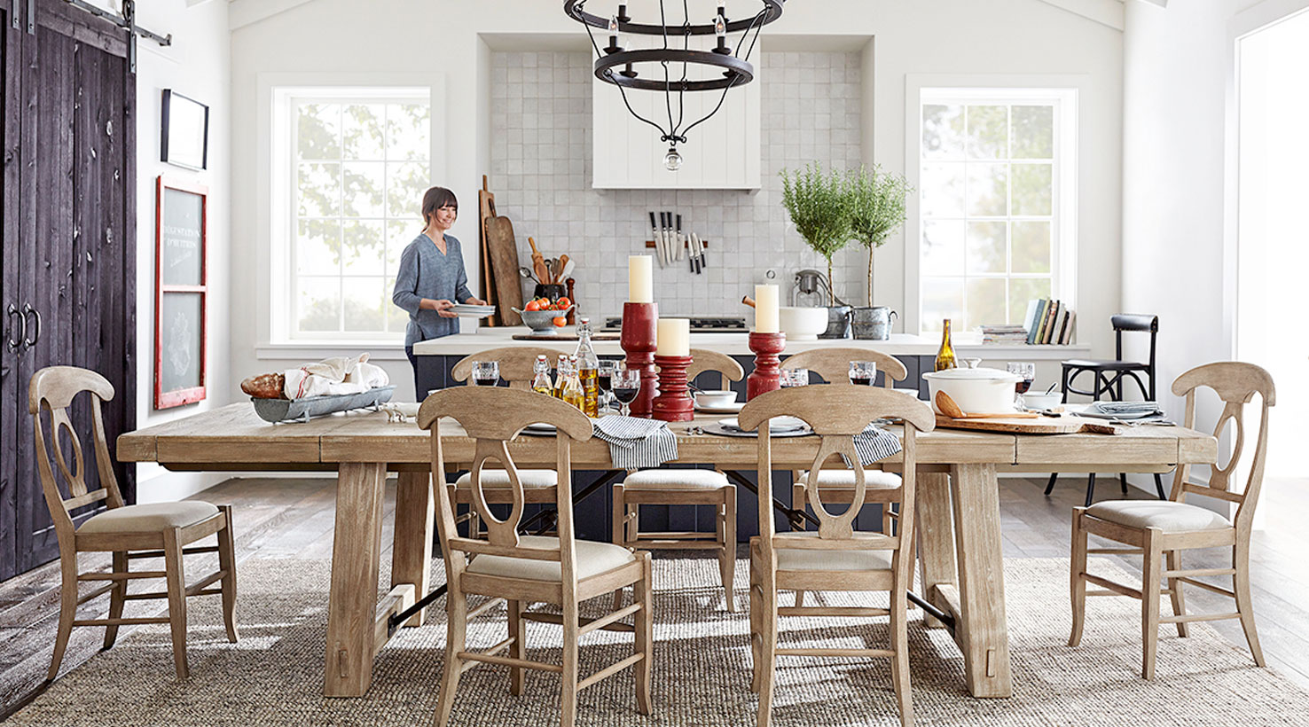https://images.sherwin-williams.com/content_images/sw-img-diningrm-001-hdr.jpg