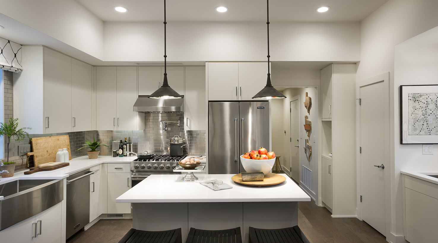 Dovetail Sw7018 The Hgtv 174 Smart Home 2015 Sponsored By Sherwin Williams