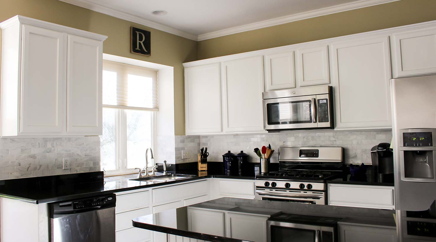 Kitchen color inspiration gallery sherwin williams for Popular kitchen paint colors